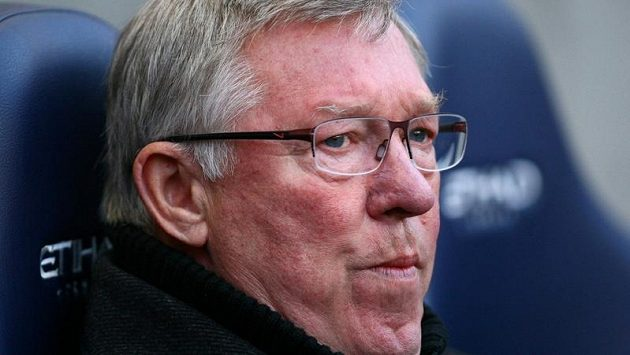 Trenér Sir Alex Ferguson s neodmyslitelnou žvýkačkou v ústech