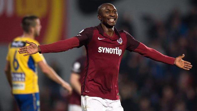 Sparťanský útočník Kehinde Fatai vstřelil Teplicím dva góly.