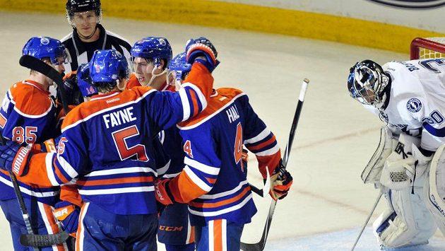 NHL: Tampa Bay nestačila na Edmonton, rozhodujícímu gólu předcházela hrubka Paláta