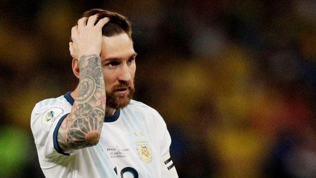 Lionel Messi si finále na letošním mistrovství Jižní Ameriky nezahraje. Argentina padla s Brazílií 0:2.