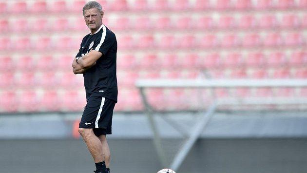 Trenér Sparty Praha Zdeněk Ščasný na úterním tréninku před odvetným duelem 3. předkola Ligy mistrů s CSKA Moskva.