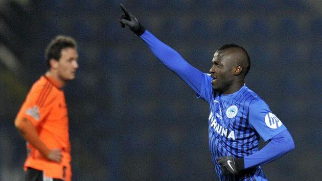 Dzon Delarge z Liberce se raduje z gólu, který vstřelil Olomouci.