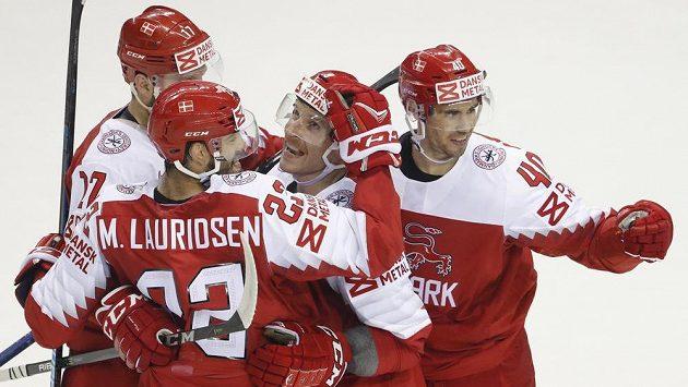 Dánská radost po vstřeleném gólu na hokejovém mistrovství světa.
