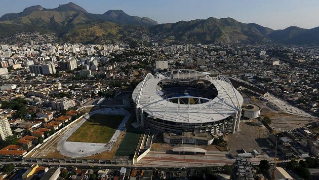 Letecký pohled na Olympijský stadión v Riu de Janeiro, kde za sto dní začnou letní olympijské hry.