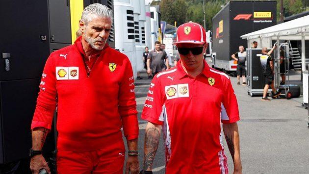 Maurizio Arrivabene (vlevo) s Kimim Räikkönenem.
