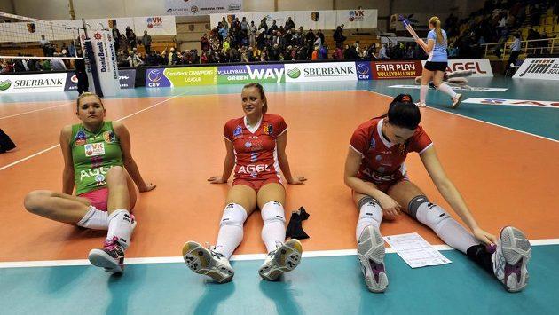 Volejbalistky Prostějova (zleva) Julie Kovářová, Kathleen Weissová a Stefanie Kargová - ilustrační foto.