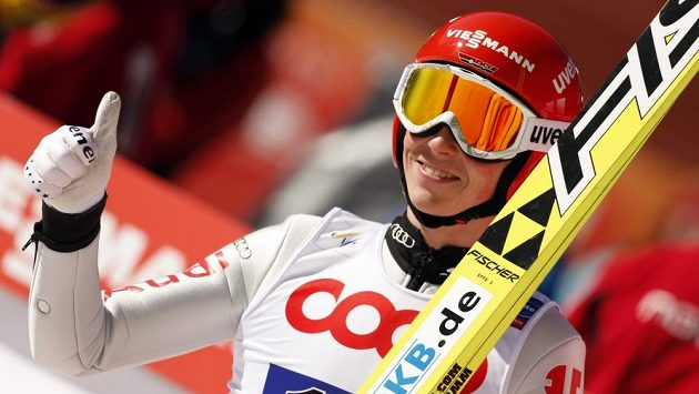 Eric Frenzel vyhrál poprvé v kariéře celkové hodnocení Světového poháru v severské kombinaci.