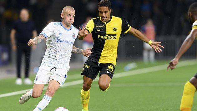 Fotbalisté Young Boys Bern, kteří ve druhém předkole Ligy mistrů přešli přes Slovan Bratislava, zachránili v prvním zápase 3. předkola LM v nastaveném čase remízu 1:1 na hřišti Kluže a udělali důležitý krok k postupu do další fáze, kde mohou narazit na Slavii.