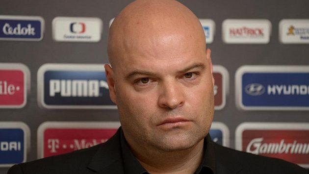 Trenér české fotbalové reprezentace do 21 let Jakub Dovalil