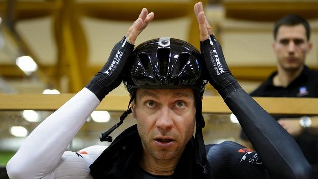 Německý cyklista Jens Voigt překonal světový rekord v hodinovce.