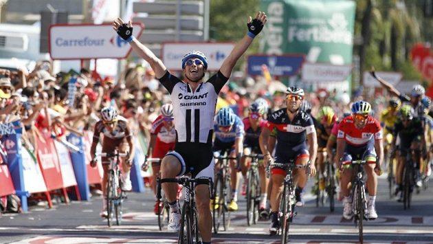 Německý cyklista John Degenkolb se raduje z vítězství ve 4. etapě Vuelty.