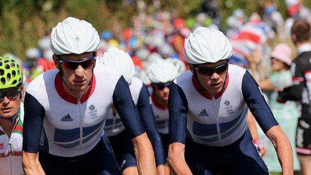 Bradley Wiggins (vlevo) a jeho britský kolega Chris Froome.