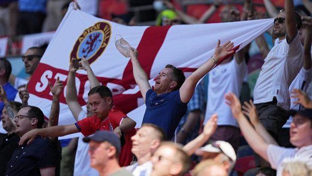 Fanoušci anglické fotbalové reprezentace před zápasem s Chorvatskem na EURO (ilustrační foto).