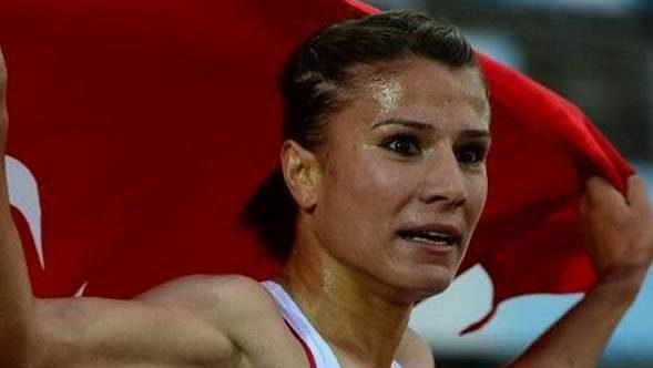 Bývalá mistryně Evropy v běhu na 3000 metrů překážek Gülcan Mingirová z Turecka byla dodatečně diskvalifikována z olympijských her v Londýně kvůli dopingu.