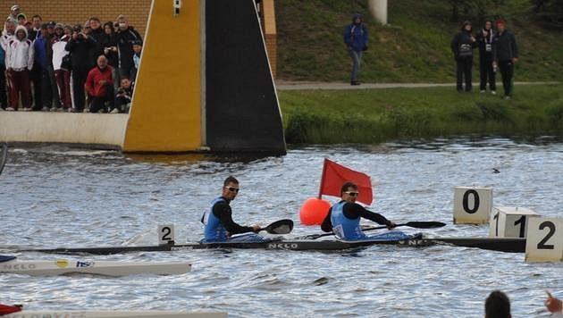 Deblkajak Daniel Havel (vpředu), Jan Štěrba při olympijské kvalifikaci v Poznani.