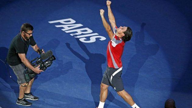 David Ferrer ukončil ve finále turnaje v Paříži senzační jízdu Poláka Janowicze
