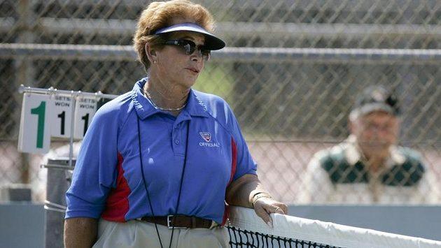 Lois Goodmanová patřila mezi tenisovými rozhodčími ke špičce.