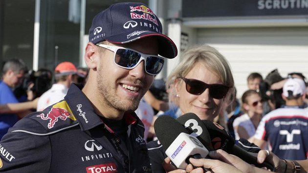 Sebastian Vettel je v Japonsku v centru pozornosti. V neděli si v Suzuce může zajistit čtvrtý titul mistra světa v řadě.