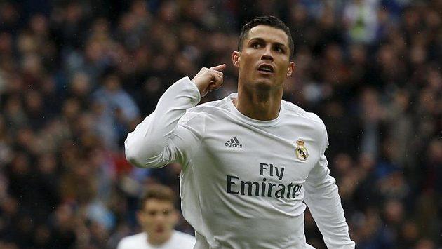 Hvězda Realu Madrid Cristiano Ronaldo se raduje po jednom ze čtyř gólů, které vstřelil do sítě Celty Vigo.
