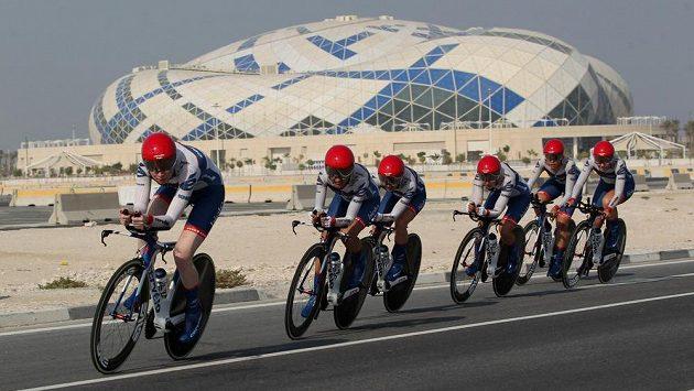 Členky týmu Cervelo Bigla Pro Cycling Team na trati časovky družstev.