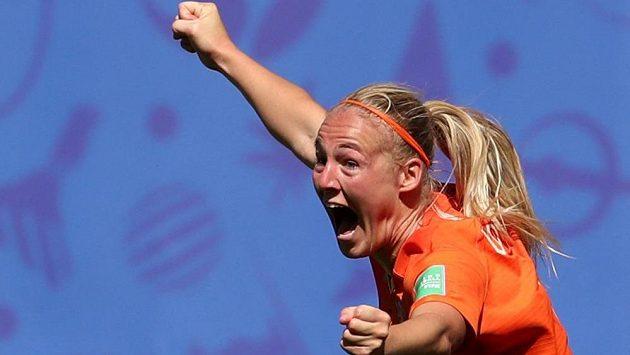 Nizozemská fotbalistka Stefanie van der Gragtová oslavuje svůj gól proti Itálii ve čtvrtfinále MS.
