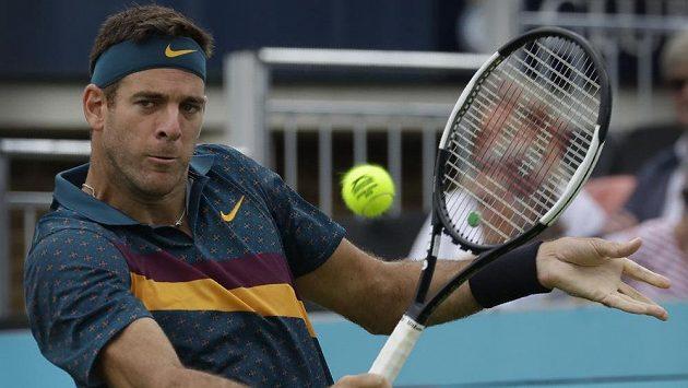 Argentinský tenista Juan Martin del Potro na turnaji v Londýně kvůli zdravotním problémům skončil.