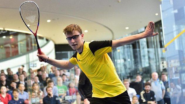 Squashista Viktor Byrtus je jedničkou evropského šampionátu squashistů. Těší se i na unikátní kurt pod širým nebem.