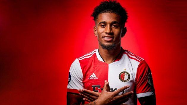 Fotbalisty Feyenoordu, kteří jsou jedním ze soupeřů Slavie ve skupině Konferenční ligy, posílil Reiss Nelson z Arsenalu.
