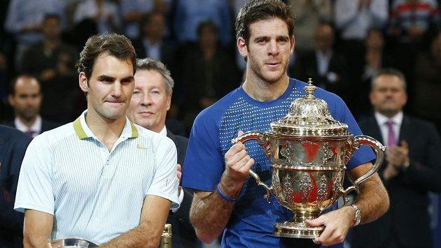Juan Martín Del Potro (vpravo) a poražený finalista z Basileje Roger Federer.