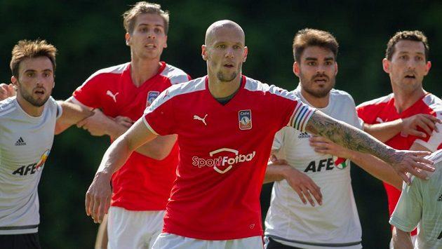 Fotbalisté bez angažmá mají možnost trénovat během léta na kempu ČAFH. Zahrají si i řadu přípravných zápasů, nastoupí i na turnaji FIFPro.