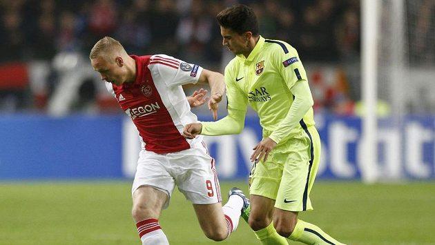 Islanďan Kolbeinn Sigthórsson v dresu Ajaxu (vlevo).