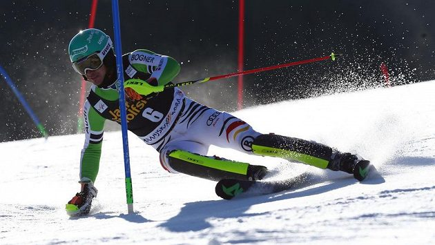 Felix Neureuther z Německa na trati slalomu v Kranjské Goře.