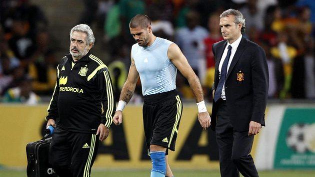 Zraněný španělský brankář Victor Valdes.