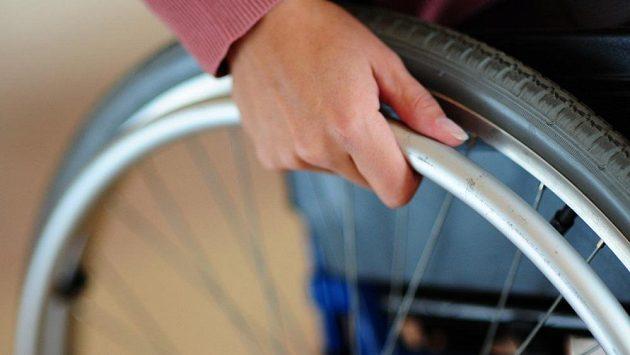Světové rekordy se dají lámat i na vozíku.