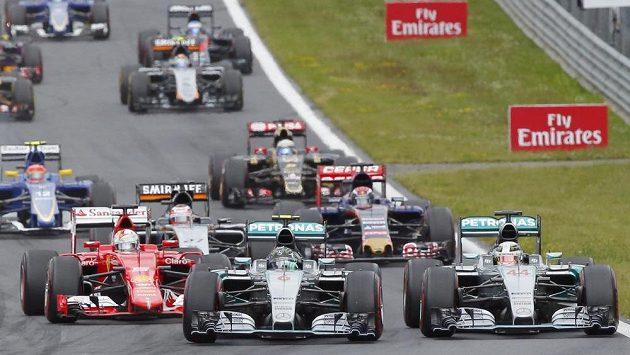 Formule 1 přestává divácky táhnout. Zarazí její vedení odliv fanoušků?