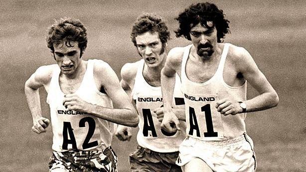 """John Andrew """"Andy"""" Holden (uprostřed) podával mimořádné výkony nejen na závodech."""