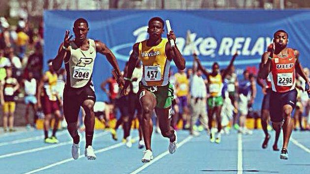 Trayvon Bromell (uprostřed) je velkou sprinterskou nadějí.