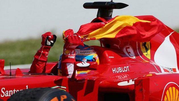 Fernando Alonso údajně uvažuje o návratu do formule 1.