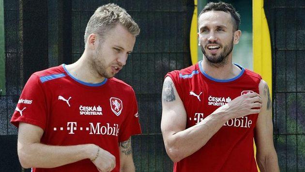 Michal Kadlec (vlevo) a Tomáš Sivok vytvořili v reprezentaci opět stoperskou dvojici.
