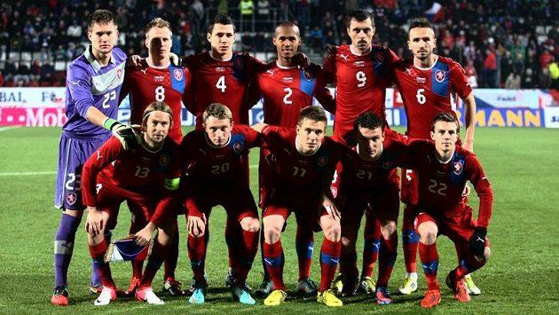 Základní jedenáctka, která nastoupila do přátelského zápasu proti Slovensku