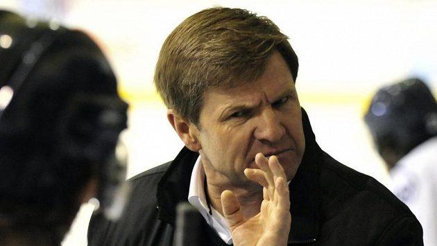 Trenér Rostislav Čada (na archivním snímku) předčasně končí na střídačce Slovanu Bratislava v KHL.