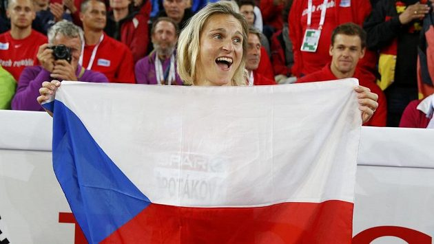 Oštěpařka Barbora Špotáková slaví v Curychu titul mistryně Evropy.