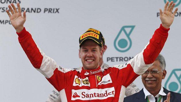 F1: Vettel dokázal neuvěřitelné! V Malajsii triumfoval s Ferrari