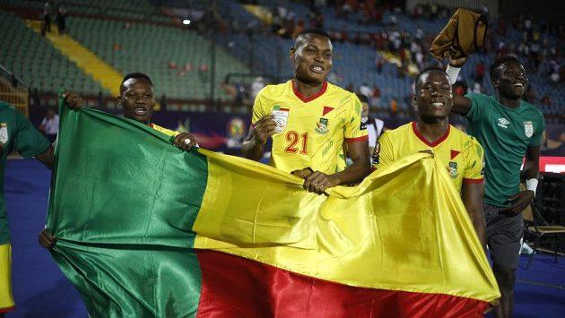 Hráči Beninu se radují z postupu přes Maroko.