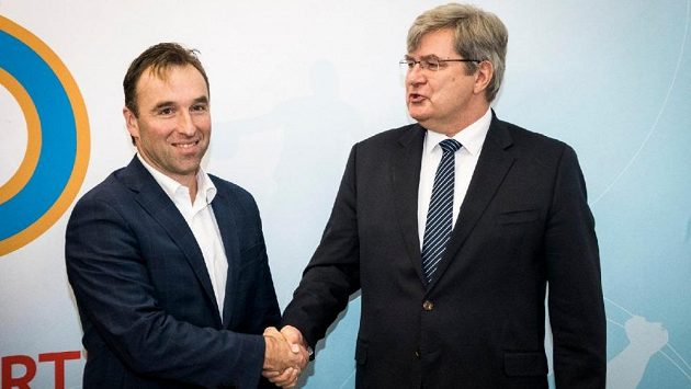 Milan Hnilička, předseda Národní sportovní agentury, na jednání s Miroslavem Janstou, šéfem ČUS.