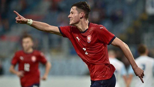 Martin Vitík z ČR se raduje z jediného gólu.