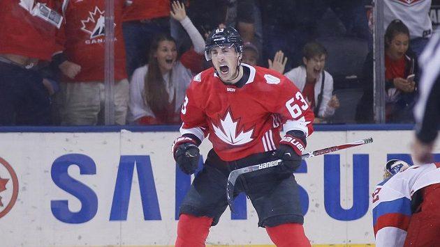 Kanadský útočník Brad Marchand se raduje z gólu v zápase s Ruskem.