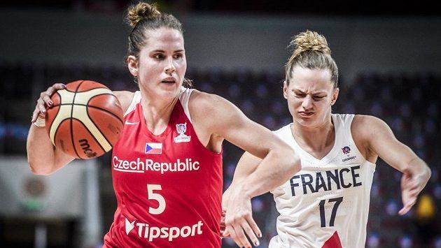 Kapitánka českého týmu Romana Hejdová v utkání s Francií.
