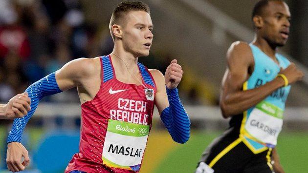 Pavel Maslák při rozběhu na 400 m.