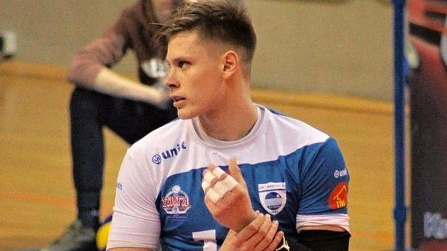 Smečař Stefan Skakič je první posilou volejbalových Lvů Praha.